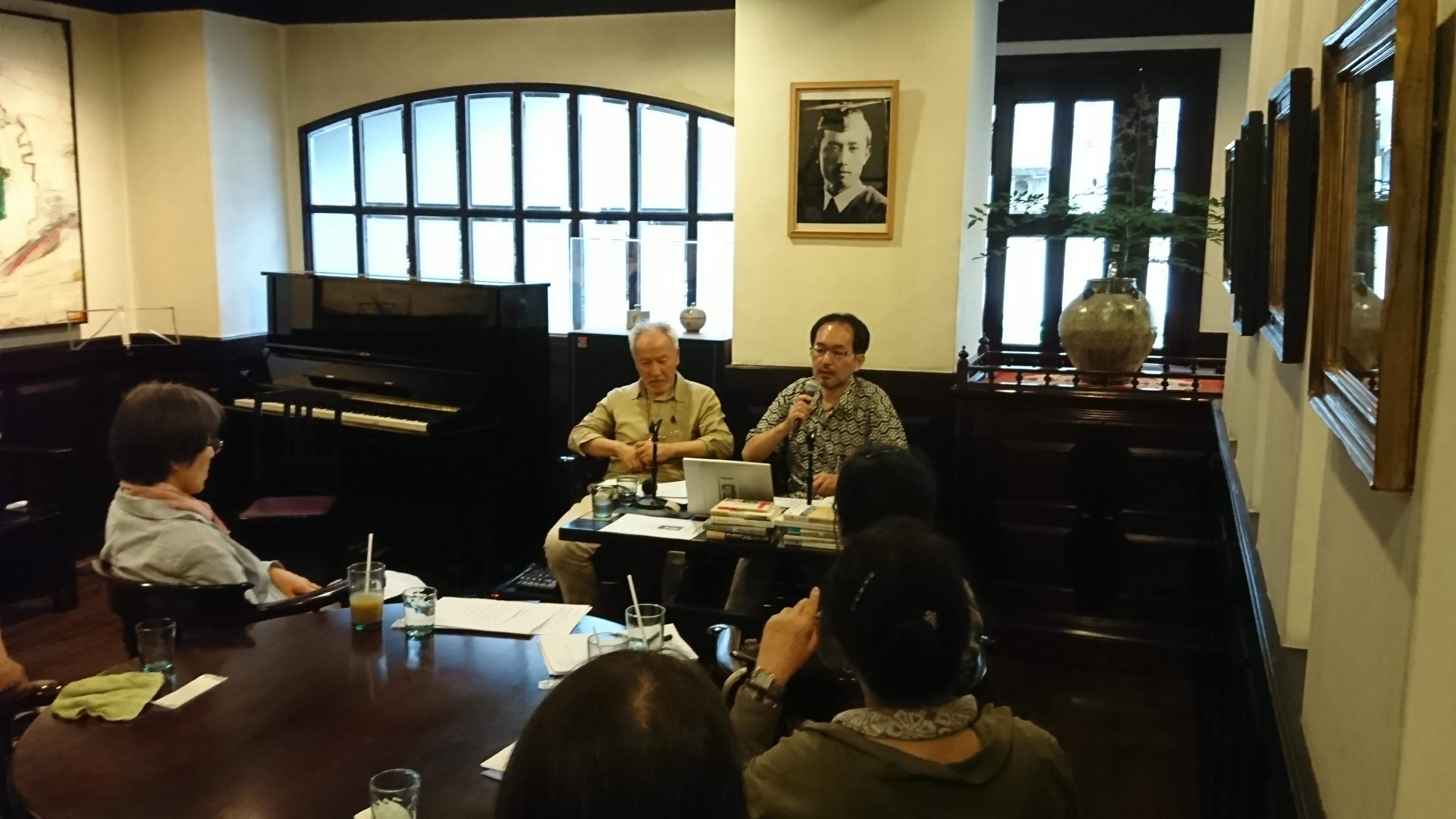 愛沢革さん(左)と中村一成さん